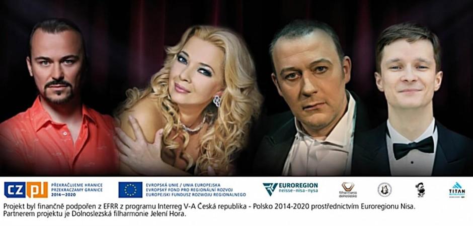 Děti z polského i jabloneckého souboru si zazpívají ve společnosti hvězd