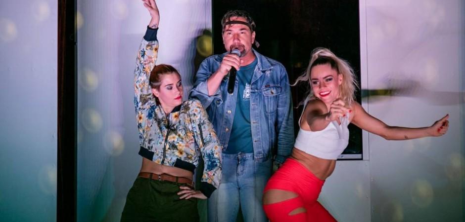Rapper pobavil vtipem a okouzlil tancem